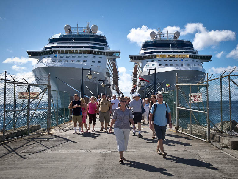 Celebrity Eclipse (left) and Celebrity Silhouette