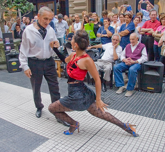 BA102. Tango Dancers, Dance demonstration, Microcentro area,