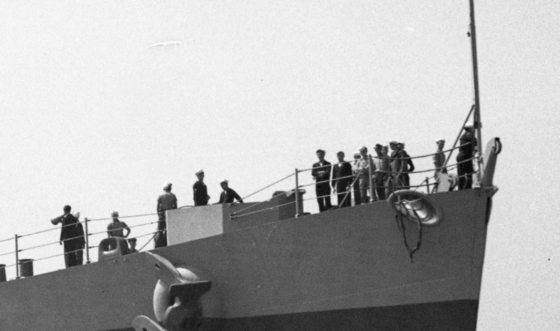USS Miami (CL-89)<br /> (Detail of crew on bow)<br /> <br /> Date: Possibly May 24 1945 returning from Pacific.<br /> Location: San Francisco Bay<br /> Source: Nobe Smith - Atlantic Fleet Sales