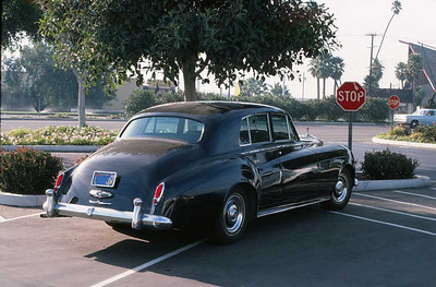 JOHATHAN WINTERS' ROLLS-ROYCE Esplanade Shopping Mall, Oxnard  I'm embarrassed to say I almost rammed the famous Jonathan Winters as we was attempting to pull out of the Levitz parking lot just down the street. I'd had a bad morning in the Unemployment Office and I was determined no fat, rich bastard was going to pull out in front of me. When I saw who it was, I felt like the dumbass I was. I was so ashamed, I didn't even go up and apologize to him, but I wish I had.  What a missed opportunity.
