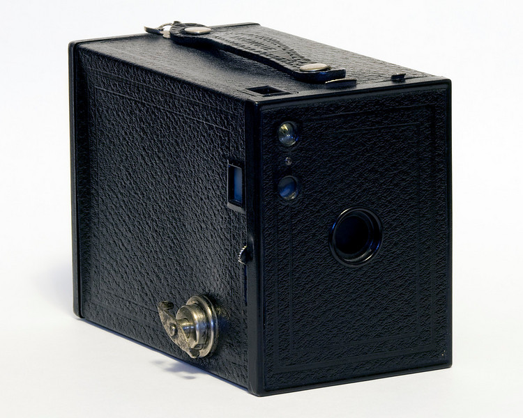 Kodak No. 2 Brownie model F (1929-1933). <br /> <br /> This camera takes 120 film which is still available.