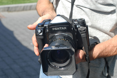 Close Encounters of the Medium Format Kind: I had a chance to hold and look through the viewfinder of this medium-format beauty: A Pentax 67II with 6x7 film (yes, people still do shoot that stuff :) )
