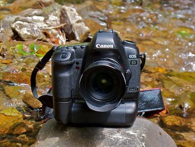 Canon 5DMKII by Canon G10 B