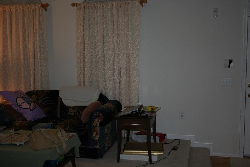 2006-08-29: Living room.