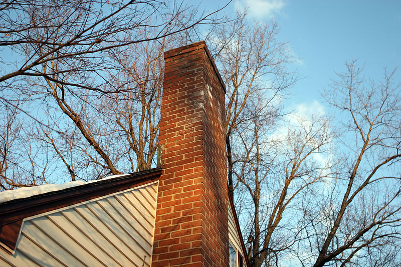 25mm at f2.8 focused on Chimney at sunset