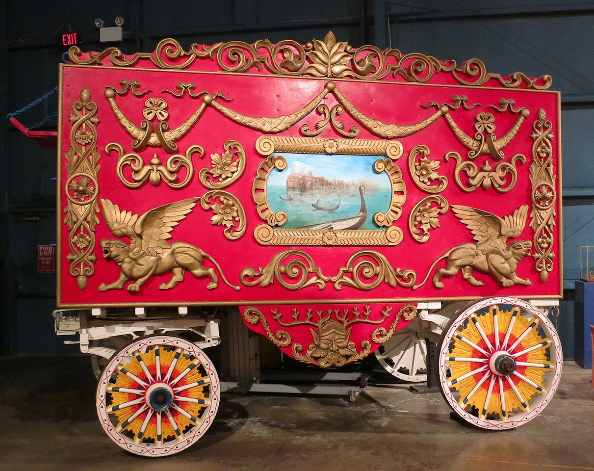 Circus wagon with Venetian them