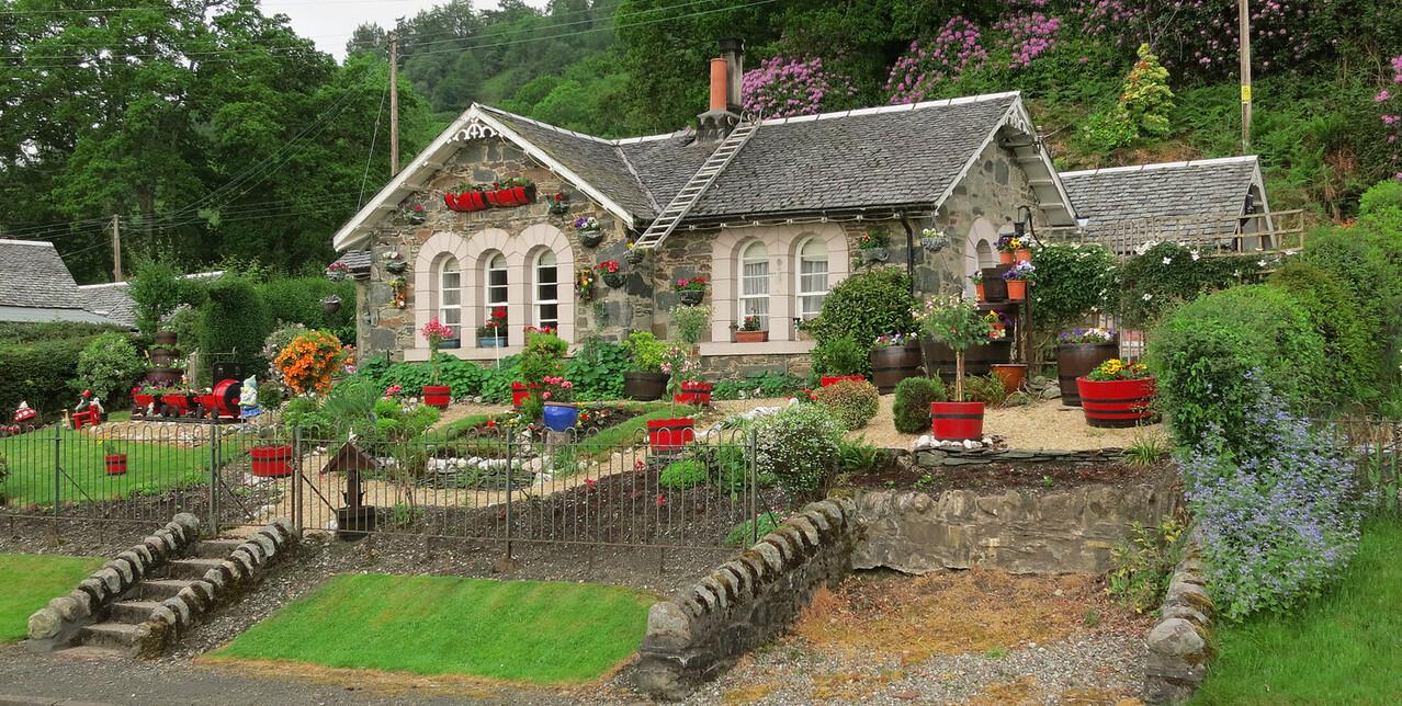 cottage near Loch Lomond
