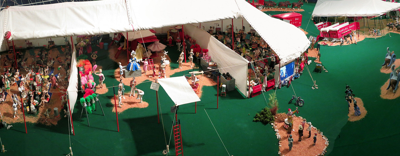 Best viewed in XL, XL2 or XL3 large sizes. Panorama of the miniature circus displays. The world's largest miniature circus, The Howard Bros. Circus Model.