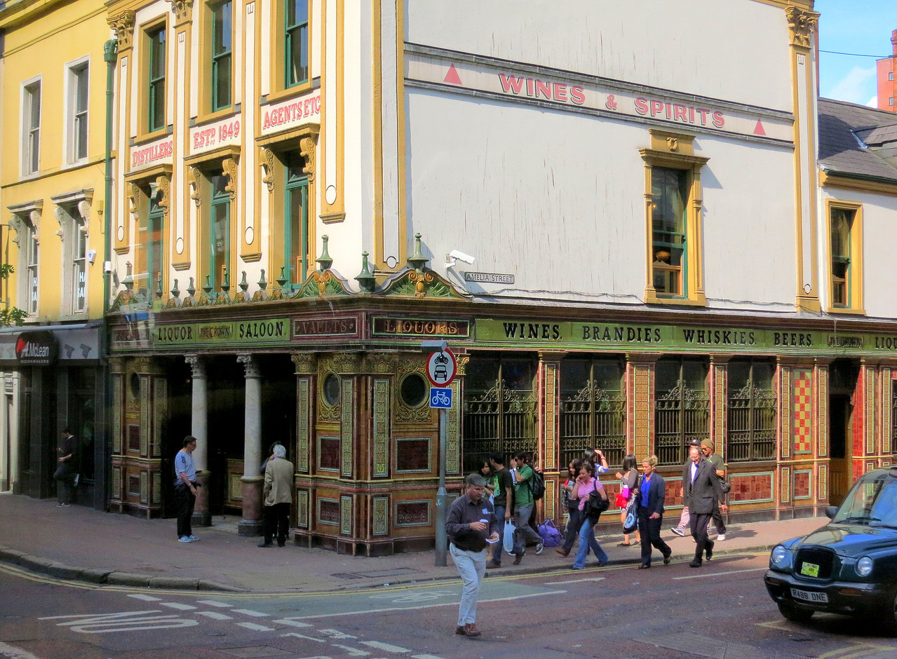 "Crown Bar - Belfast's ""most beautiful bar"""
