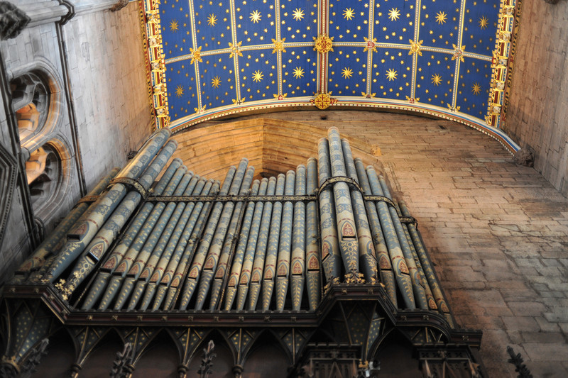 Organ pipes with starry ceiling.