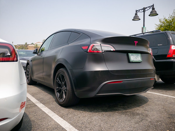 ...and a Model X from the rear.  Seeing them side-by-side, you can tell that it is not just a taller Model 3.  It is definitely bigger all around.