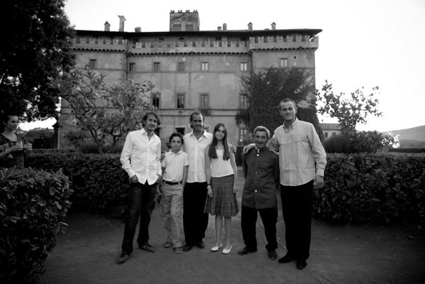 Tao, Theodore, Francesco, Melusine and Bartolomeo Ruspoli: The five children of Dado with Santino the gardener at Castello Ruspoli 2008