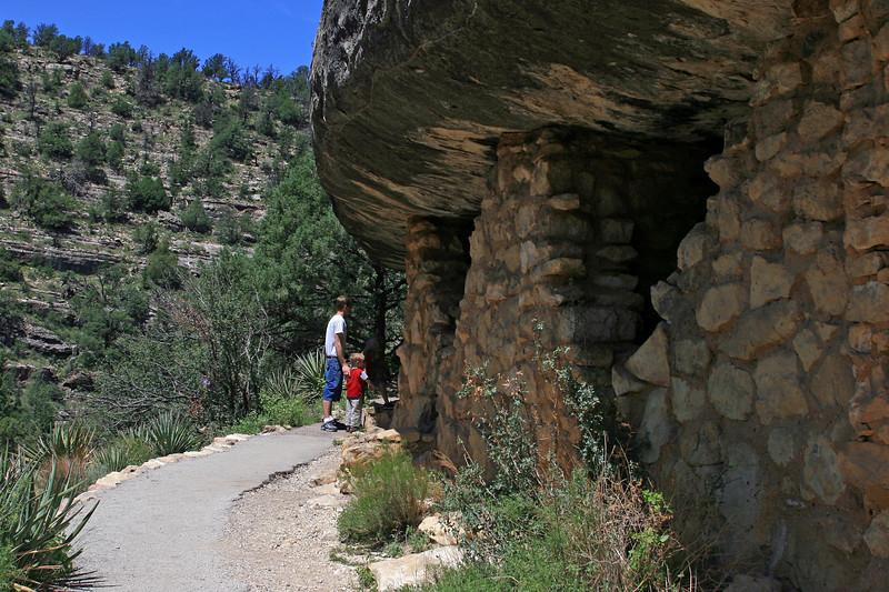 AZ-Flagstaff-Walnut Canyon-2007-08-19-0008