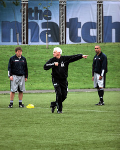 Peter Beardlsley, Sir Bobby Robson and Des Walker of the Legends team during training at Newcastle 06 October 2005
