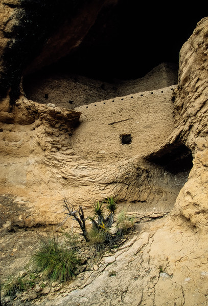 Gila Cliff Dwellings.<br /> Photo © Carl Clark