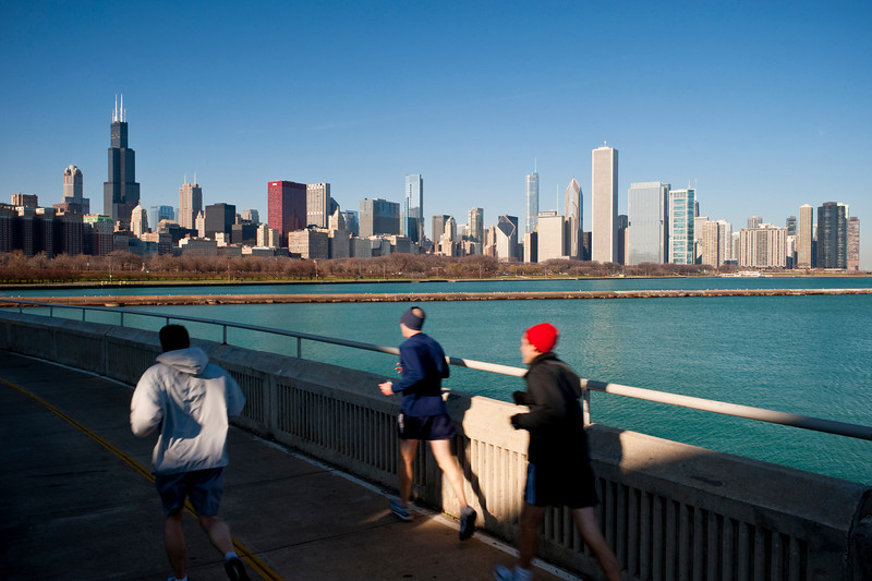 14 December 2009- A mid-day run along Chicago's lakefront path.