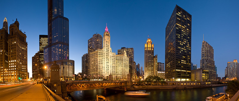 Thursday, 30 October 2008- A panorama of the north loop area along the Chicago River, from left to right:  Upper Wacker Drive, Trump Tower, Michigan Avenue Bridge, Wrigley Building, Tribune Tower, Equitable Building, NBC Tower and the Sheraton Hotel.