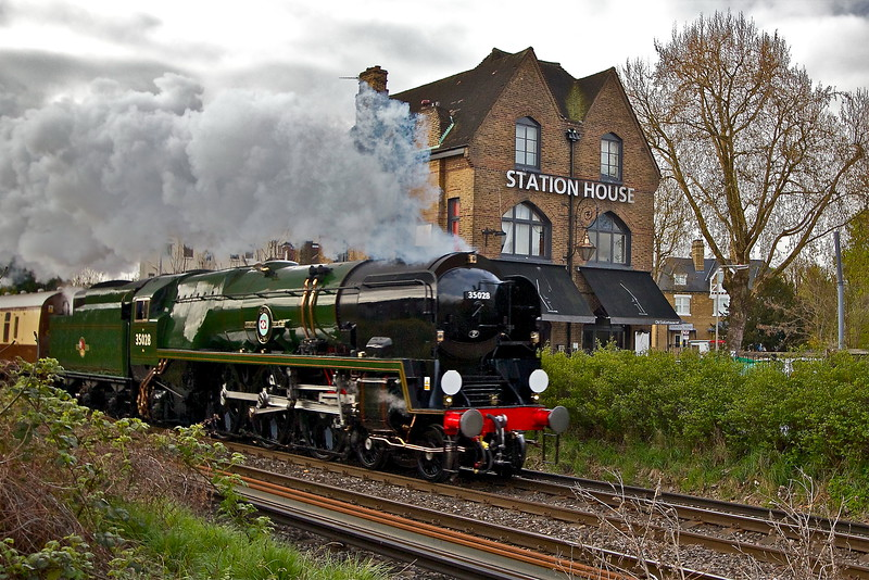 Grove Park Steam in Chiswick