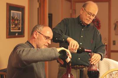 Xmas 2008 Wine Tasting 02
