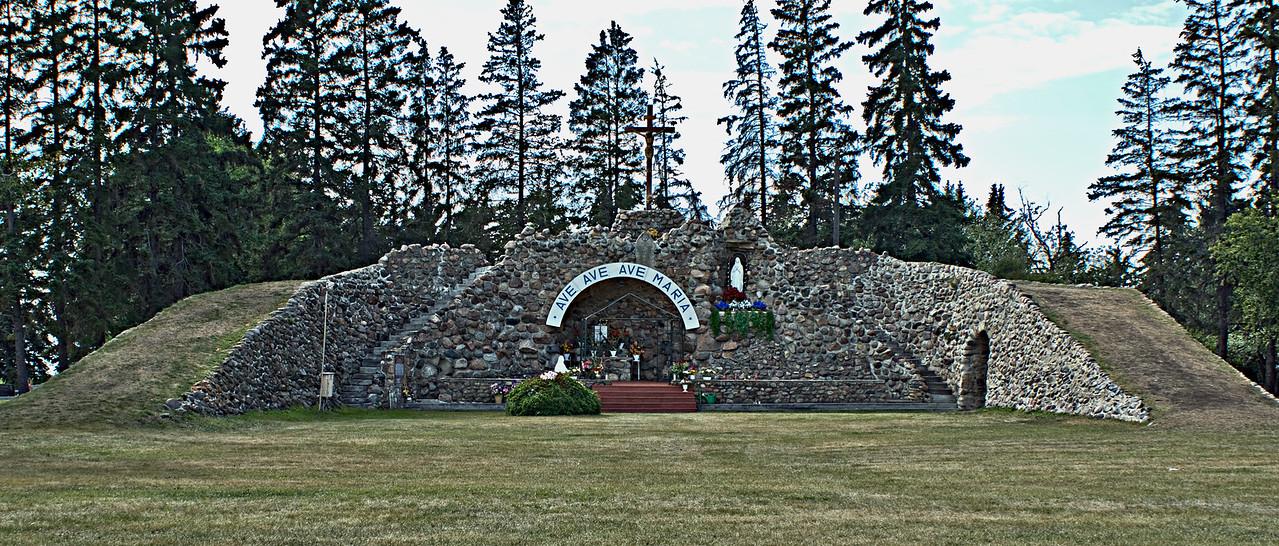 DSC07154  Grotto of Our Lady of Lourdes (Skaro Shrine)