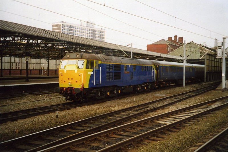 31601, Crewe. February 2003.