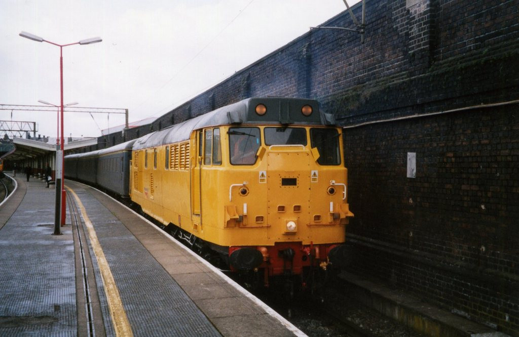 31233, Crewe. June 2004.