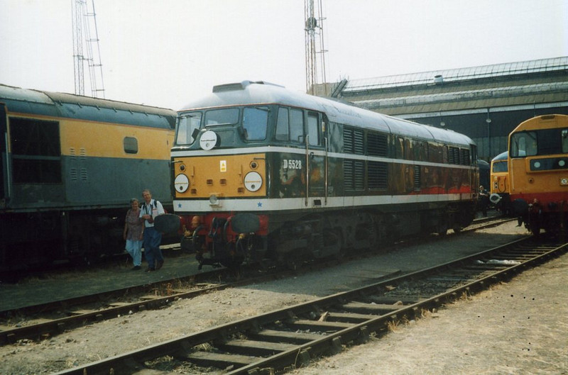 31110, Old Oak Common. August 2000.
