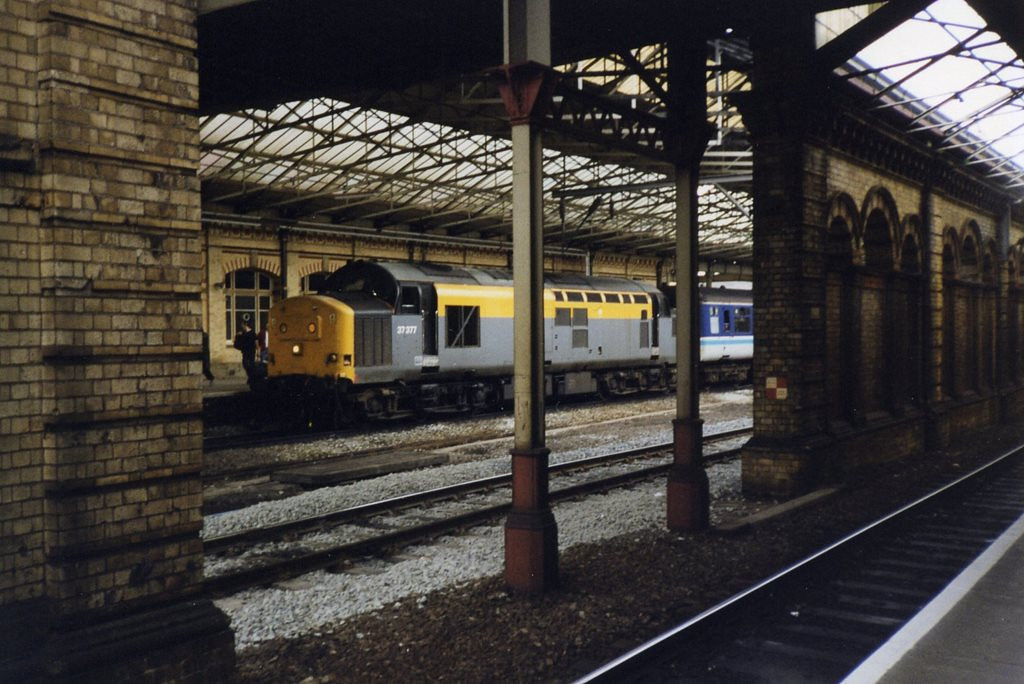 37377 at Crewe during the period when the North Wales Coast 37/4s were stopped for safety checks. May 1999.