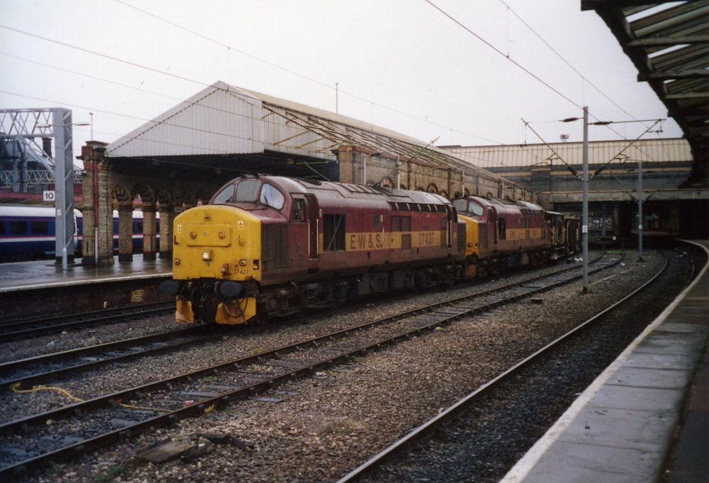 37427 and 37669 at Crewe on a ballast from Crewe - Welshpool via Wrexham. February 2005.