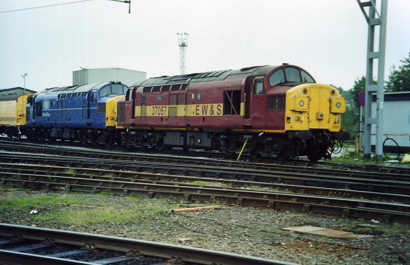 37057 and 37372, Crewe DMD. September 2001.