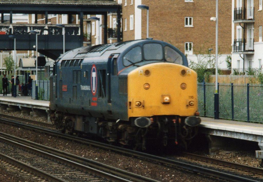 37116 Kensington Olympia. July 2000.