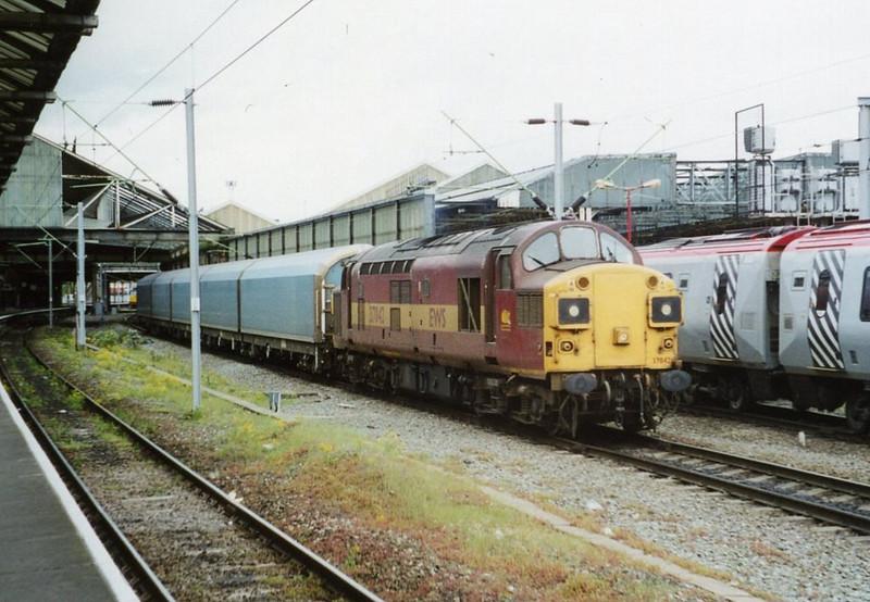 37042, Crewe. May 2002.