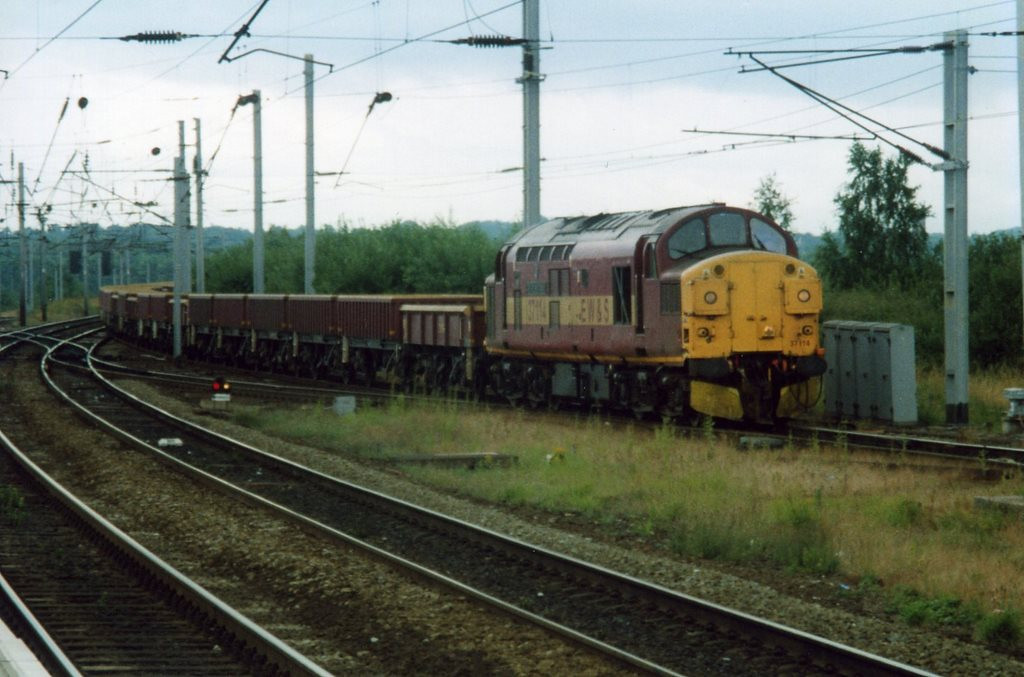 37114 passing Warrington. August 2000.