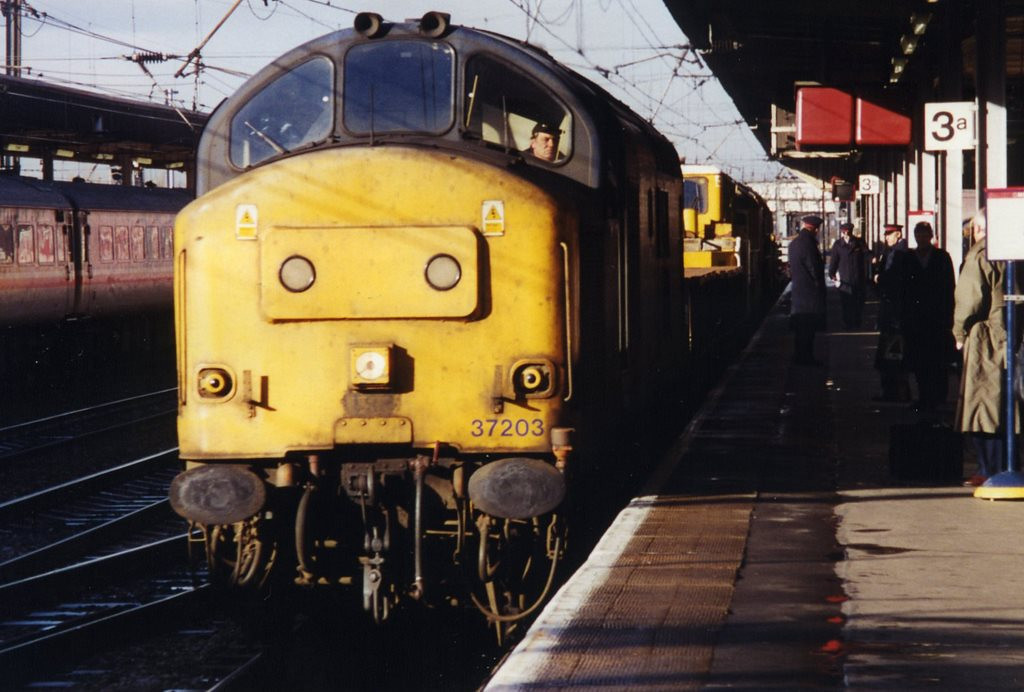 37203 passing Doncaster around February 2000.