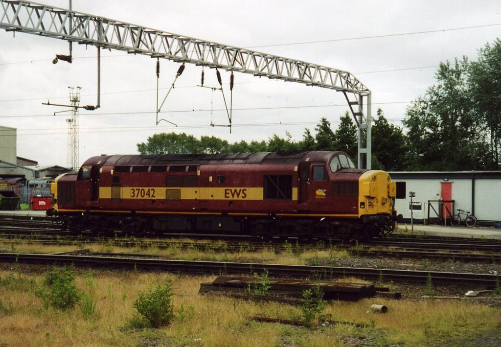37042, Crewe DMD. June 2003.