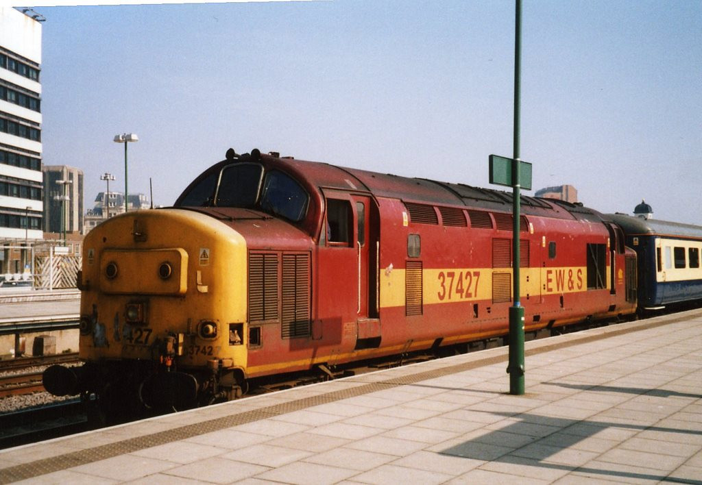 37427, Cardiff Central. March 2003.
