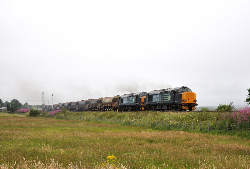 37218 and 37423, Kingussie. 09/08/13.