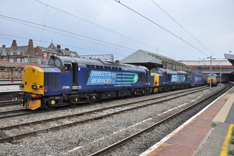37606 and 37602, Crewe. 23/07/13.