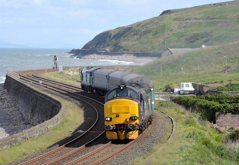 37423 and 37606, Parton. 30/05/15.