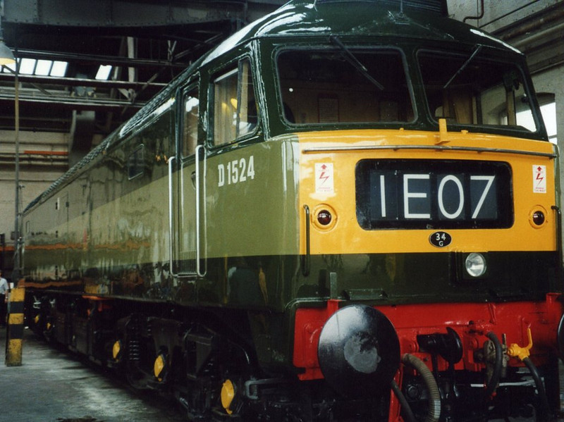 47004, Old Oak Common. August 2000.
