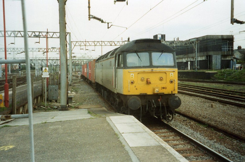 47279, Rugby. April 2001.