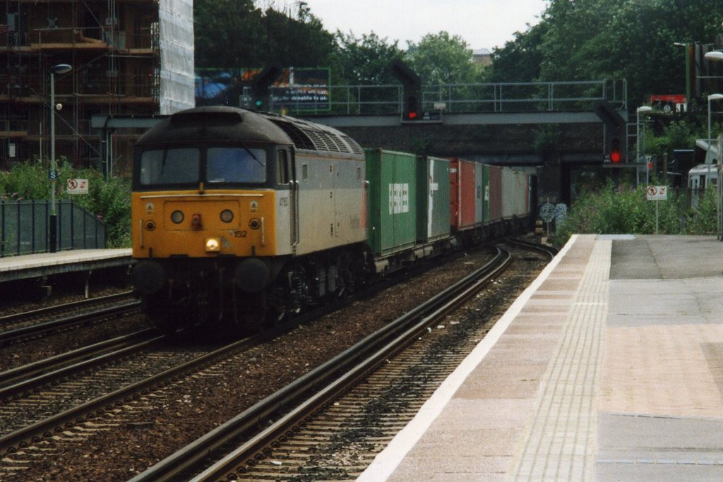 47152, Kensington Olympia. July 2000.
