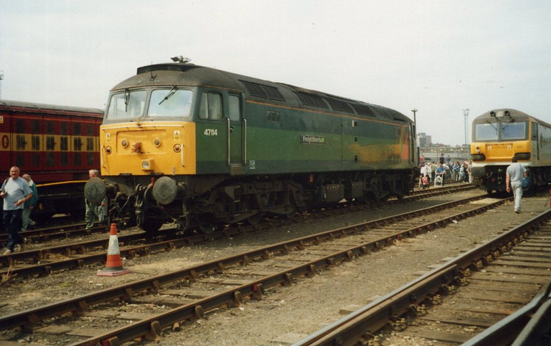 47114, Old Oak Common. August 2000.