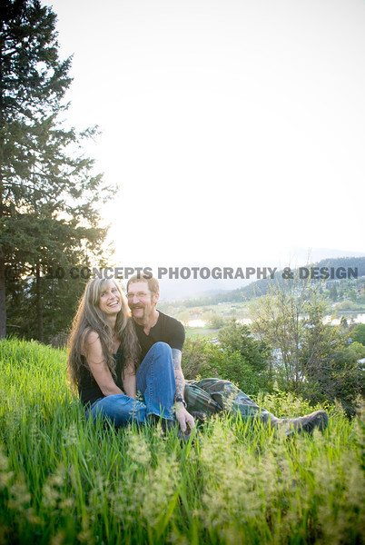 Outdoor spring portrait photos for wedding announcements