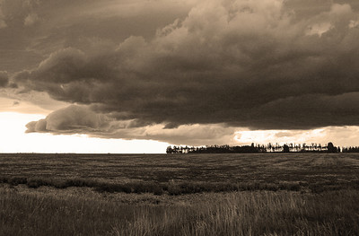 An approaching storm....  The color version is in gallery.  Be blessed!