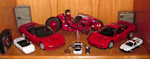 Kaneda and his motorcycle are obviously not to scale...in fact, only my two red NSXs are of the same scale on this shelf