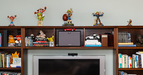 In 2019, I added a Crash statue that debuted with the recently remade Crash Bandicoot Trilogy...if they make one for the remade CTR, I might need it as well.  I should probably grab a shot of that plush Crash Bandicoot next to Garfield...it is one from Japan I received while still working on those games.