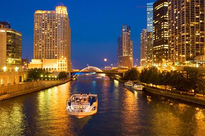 Chicago river and Centennial Fountain