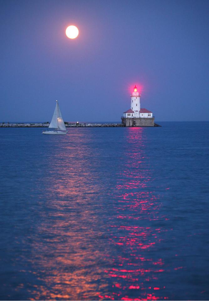 Moonrise in Chicago