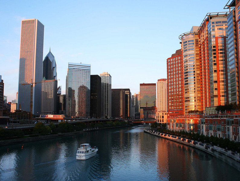 Chicago river sunrise